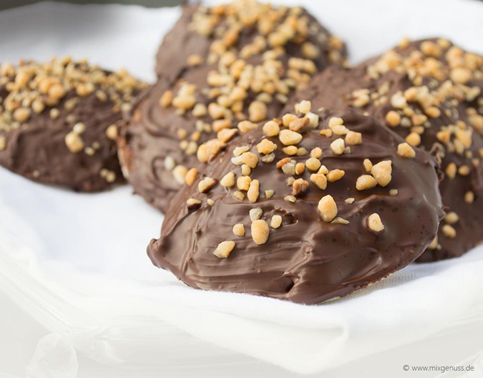 Nussige Marzipan-Lebkuchen