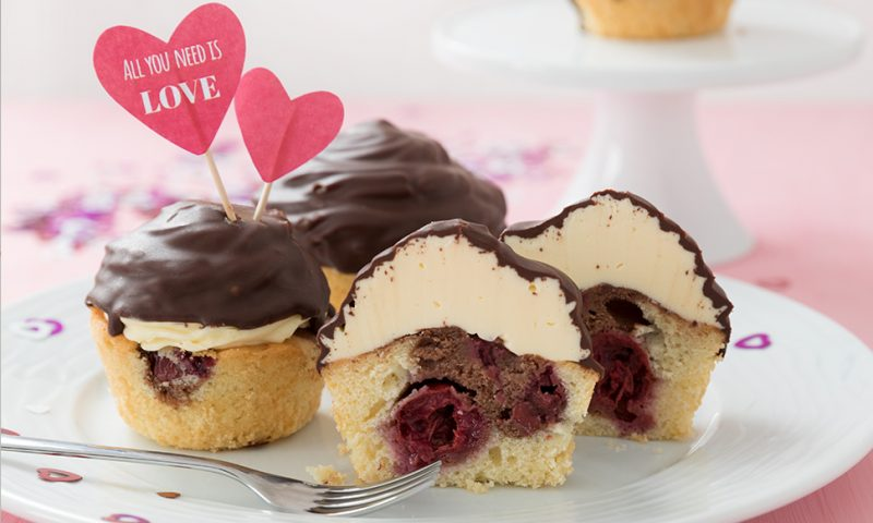 valentinesday cupcakes mixgenuss blog. Black Bedroom Furniture Sets. Home Design Ideas