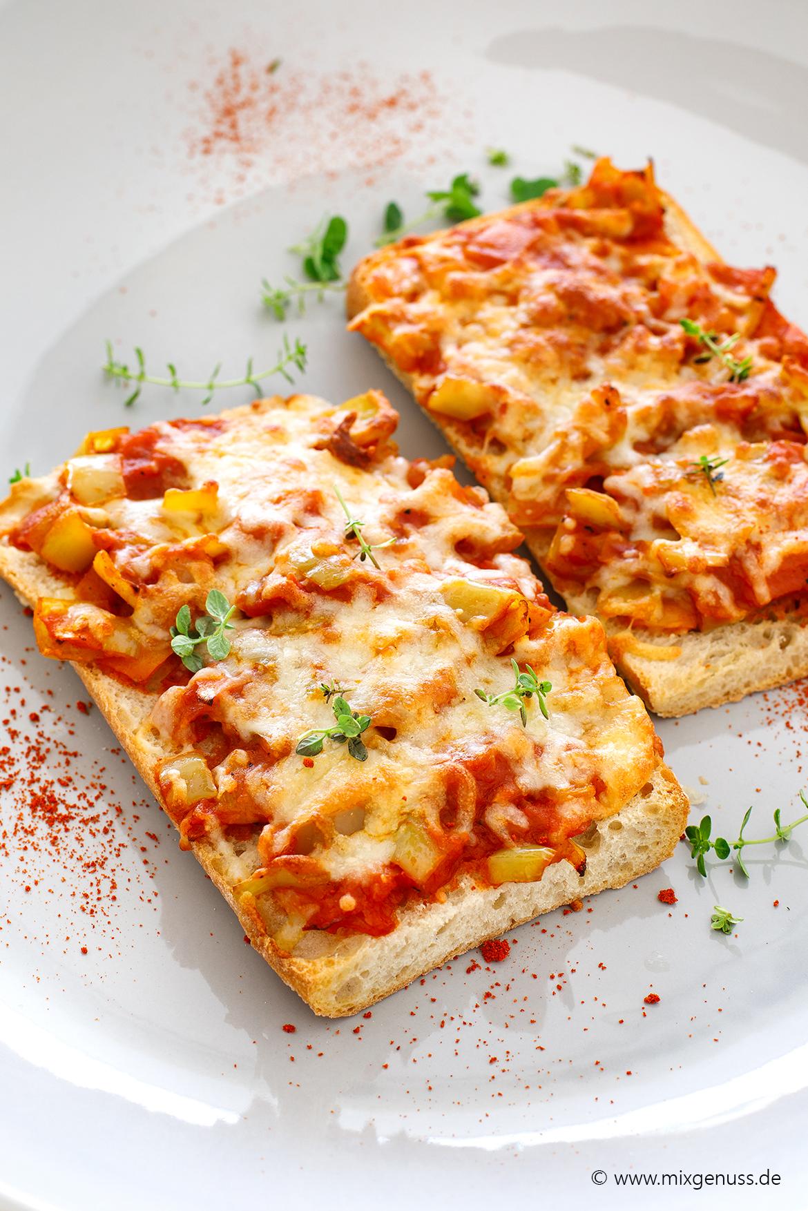 Paprika-Tomaten-Baguettes